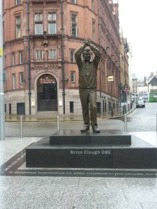 brian_clough_statue_forest_by_mlt1-d2z4l9n